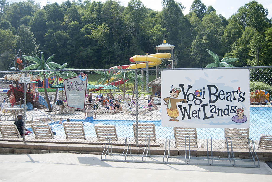 yogi bear's wet lands photo showing chairs with pool and water slides